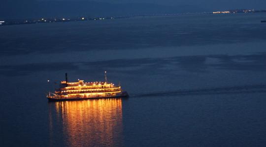 琵琶湖 ミシガン 夜景